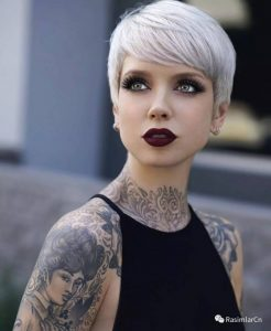 The platinum pixie hair style
