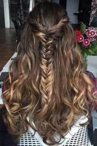 Chestnut brown hairstyle